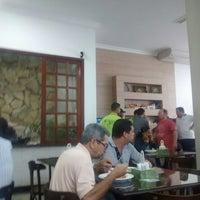 Photo taken at Restaurante Cantinho Verde by Comandante Leo B. on 7/15/2014