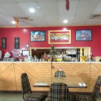 Photo taken at Laddawan's Phuket Monkey Thai Cuisine by Maki T. on 6/29/2013