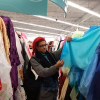 Photo taken at Jo-Ann Fabric and Craft by Toney C. on 11/24/2013