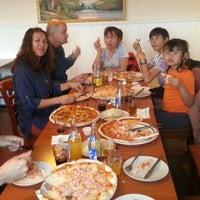 Photo taken at Pizzeria Napoli by Suchat K. on 4/13/2014