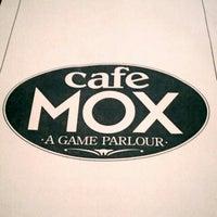 Foto scattata a Cafe Mox da Turtle il 11/17/2012