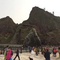 Photo taken at Dokdo, Liancourt Rocks by 동원 김. on 4/11/2015