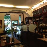 Das Foto wurde bei Berliner Kaffeerösterei von Helene E. am 5/22/2013 aufgenommen