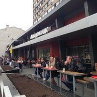Foto tirada no(a) McDonald's por Сергей Л. em 4/22/2013