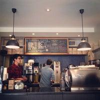 3/11/2013にNeil P.がThird Rail Coffeeで撮った写真