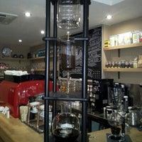 5/1/2013 tarihinde Dünya O.ziyaretçi tarafından drip coffee | ist'de çekilen fotoğraf
