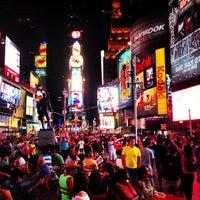 Das Foto wurde bei W New York - Times Square von Alexey B. am 7/22/2013 aufgenommen