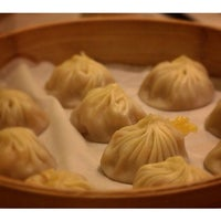 Photo taken at Din Tai Fung by Paolo Rico y Tesoro on 7/18/2014