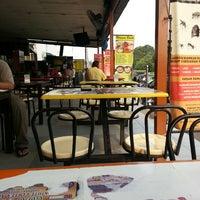 Photo taken at Medan Selera BBU by Fifi F. on 6/21/2013