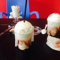 Photo taken at Forte Donuts & Coffee by Quetzalii G. on 7/1/2014