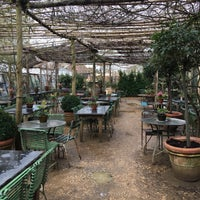 Foto scattata a Petersham Nurseries Cafe da Divya il 3/31/2018