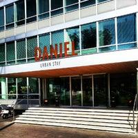 Das Foto wurde bei Hotel Daniel von Riccardo G. am 10/4/2012 aufgenommen