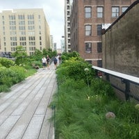 Photo prise au High Line par Angela L. le6/3/2013