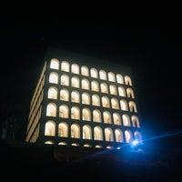 Foto scattata a Palazzo della Civiltà e del Lavoro da Marius F. il 3/23/2018
