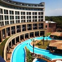 8/3/2013 tarihinde Andrew E.ziyaretçi tarafından Kaya Palazzo Golf Resort'de çekilen fotoğraf