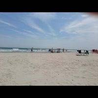 Foto tomada en Wildwood Crest Beach por Adam J. el 6/16/2013