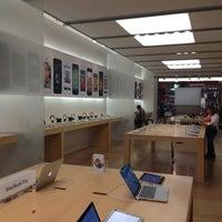 Photo taken at Apple by Bimal S. on 7/16/2013