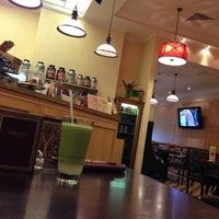 Снимок сделан в Кафе и суши-бар фитнес-клуба «Онѣгинъ» пользователем Dmitry Z. 7/2/2013