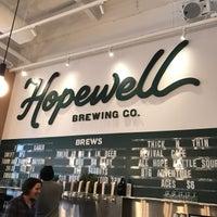 รูปภาพถ่ายที่ Hopewell Brewing Company โดย K 2. เมื่อ 12/17/2016