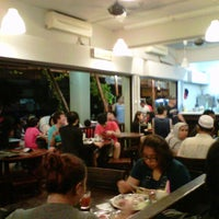 Photo taken at Restoran Murni Discovery by Ashoon A. on 11/13/2012