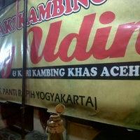 Photo taken at Sop Kaki Kambing Bang Udin by Sugis D. on 2/26/2013
