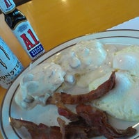 Photo taken at Tomy's Hamburgers by dave g. on 1/5/2013