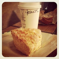 Photo taken at Starbucks by Tomás Francisco L. on 5/11/2013