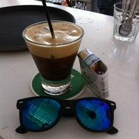 Photo taken at Ακρωτήριο Lounge Beach Bar by Emilia K. on 8/9/2013