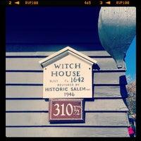 Das Foto wurde bei Witch House von Benoit-André R. am 10/13/2013 aufgenommen