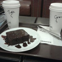 4/18/2013 tarihinde Ceren C.ziyaretçi tarafından Starbucks'de çekilen fotoğraf