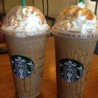 Снимок сделан в Starbucks пользователем Destiny A. 8/18/2013