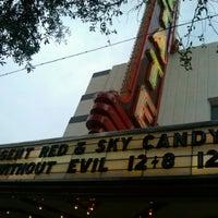 Das Foto wurde bei Stateside Theatre @ the Paramount von John H. am 12/16/2012 aufgenommen