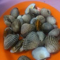 """Photo taken at Santiga Seafood """"Abeng"""" Benhil by Sicillya S. on 10/6/2012"""