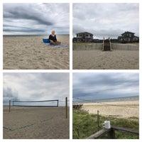 Photo taken at Fair Harbor Beach (Walnut Walk) by W❤ndy on 8/5/2017