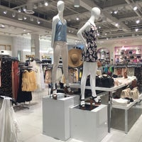 Photo taken at FOREVER 21 by Ina M. on 4/4/2016