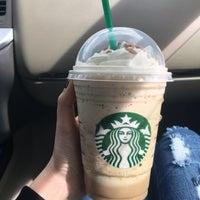 Photo taken at Starbucks by 🔮Lukkaew L. on 5/7/2016