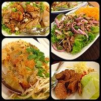 Photo taken at Side Street & Sushi Bar by I - Thai by 🔮Lukkaew L. on 10/5/2013