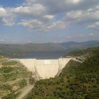 4/21/2013 tarihinde Hatice E.ziyaretçi tarafından Çine Baraji seyir tepesi'de çekilen fotoğraf