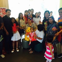 Photo taken at Jollibee Common Wealth by Seymour P. on 6/12/2016
