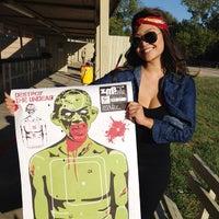 2/21/2013 tarihinde Kimmy H.ziyaretçi tarafından Elm Fork Shooting Range'de çekilen fotoğraf