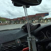 Photo taken at Sg. Tujuh Checkpoint (Brunei) by 尊賴特 on 1/18/2018