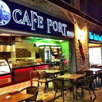 Foto tirada no(a) Cafe Port Bistro por Adem M. em 4/28/2013