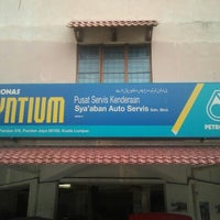 Photo taken at Syaaban Auto Servis Sdn Bhd by Arul S. on 4/20/2013