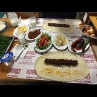 Foto tomada en Kavuret Kebap Ciğer Salonu por Furkan K. el 12/8/2015