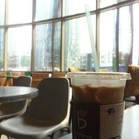 Photo taken at Caffé bene by JE H. on 6/22/2013