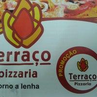 Photo taken at Pizzaria Terraço by Davson A. on 5/17/2013