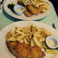 Photo taken at Poppies Fish & Chips by Rendy W. on 4/20/2013