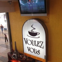5/4/2013 tarihinde Jaime Z.ziyaretçi tarafından Voulez Vous (Orinokia Mall)'de çekilen fotoğraf