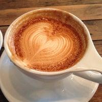 Снимок сделан в Birch Coffee пользователем Caitrin F. 5/24/2013
