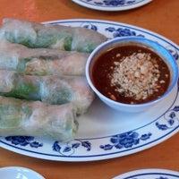 Foto scattata a Pho Sao Bien Vietnamese Restaurant da James S. il 4/21/2013